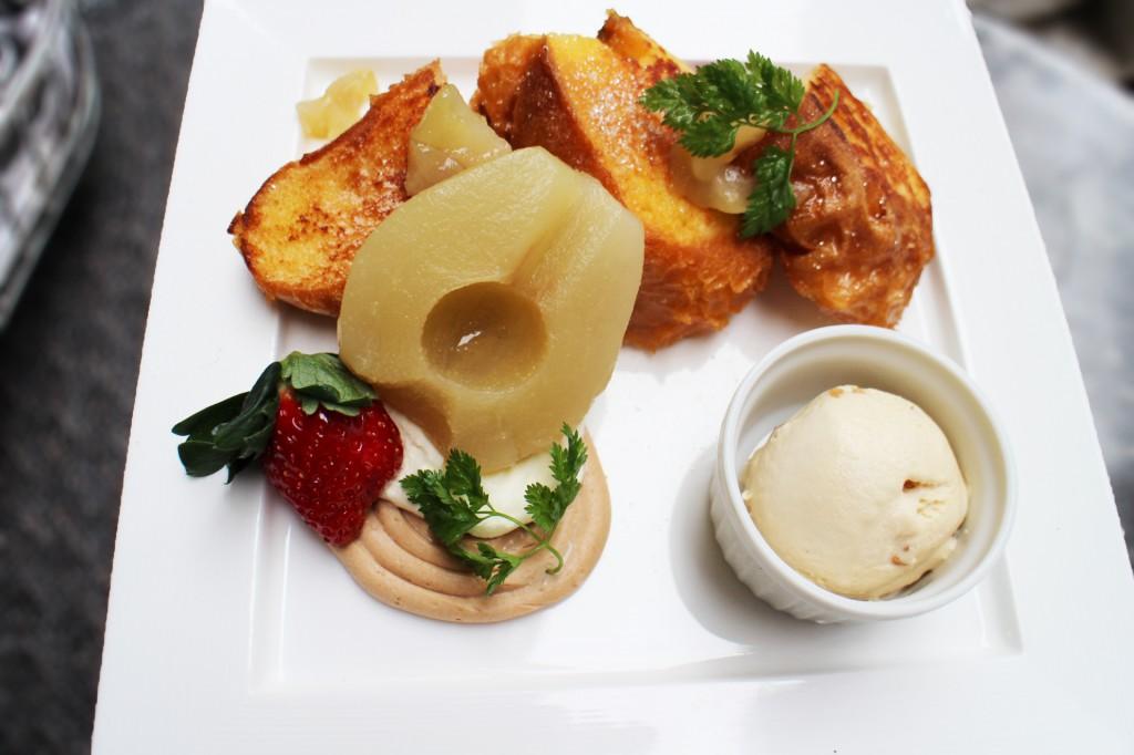 「ラ・フランスとシナモンクリームのフレンチトースト 」